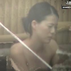 露天風呂で開放的な乙女達07